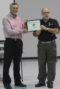 VE5RT Receiving Maple Leaf Operators Membership Certificate from VE4BAW at Meewasin Amateur Radio Society (MARS) Hamfest.
