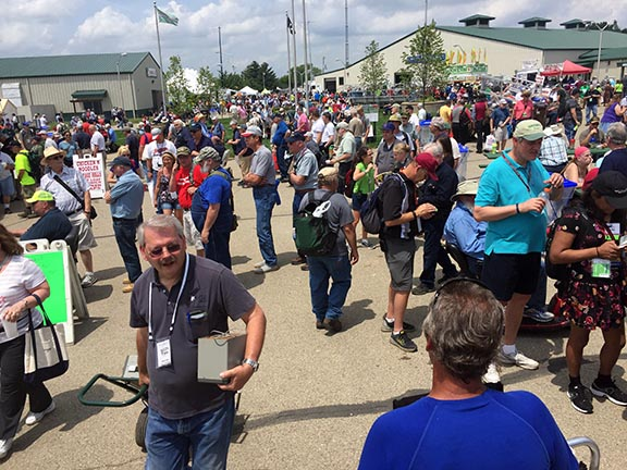Hamvention 2017 Crowd – Friday, May 19